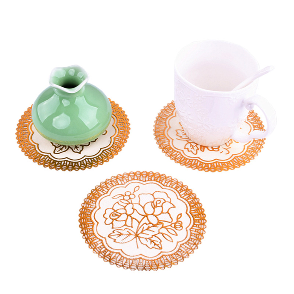 Hot Sale Fe67 2019 Hot Lace Pvc Gold Plastic Table Place Mat