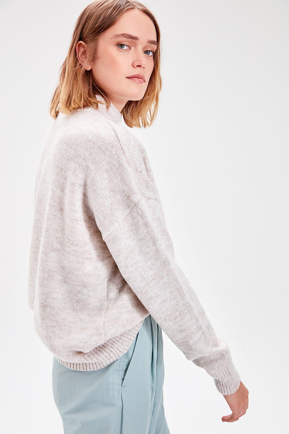 Trendyol Ecru Button Detail Sweater Sweater TWOAW20ZA0033