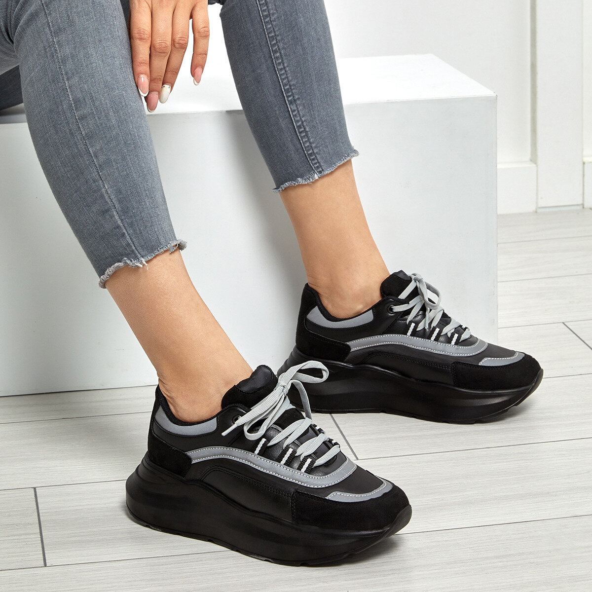 FLO Women Casual Sneakers Sport Spring Autumn Sneakers Breathable Women Shoes Lace Up Female Boots Comrfortable Platform Shoes Women Black BUTIGO 19SF-2058