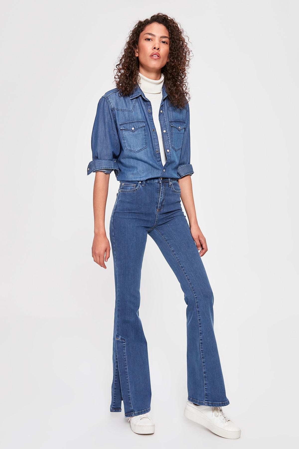 Trendyol Slit High Waist Flare Jeans TWOAW20JE0170