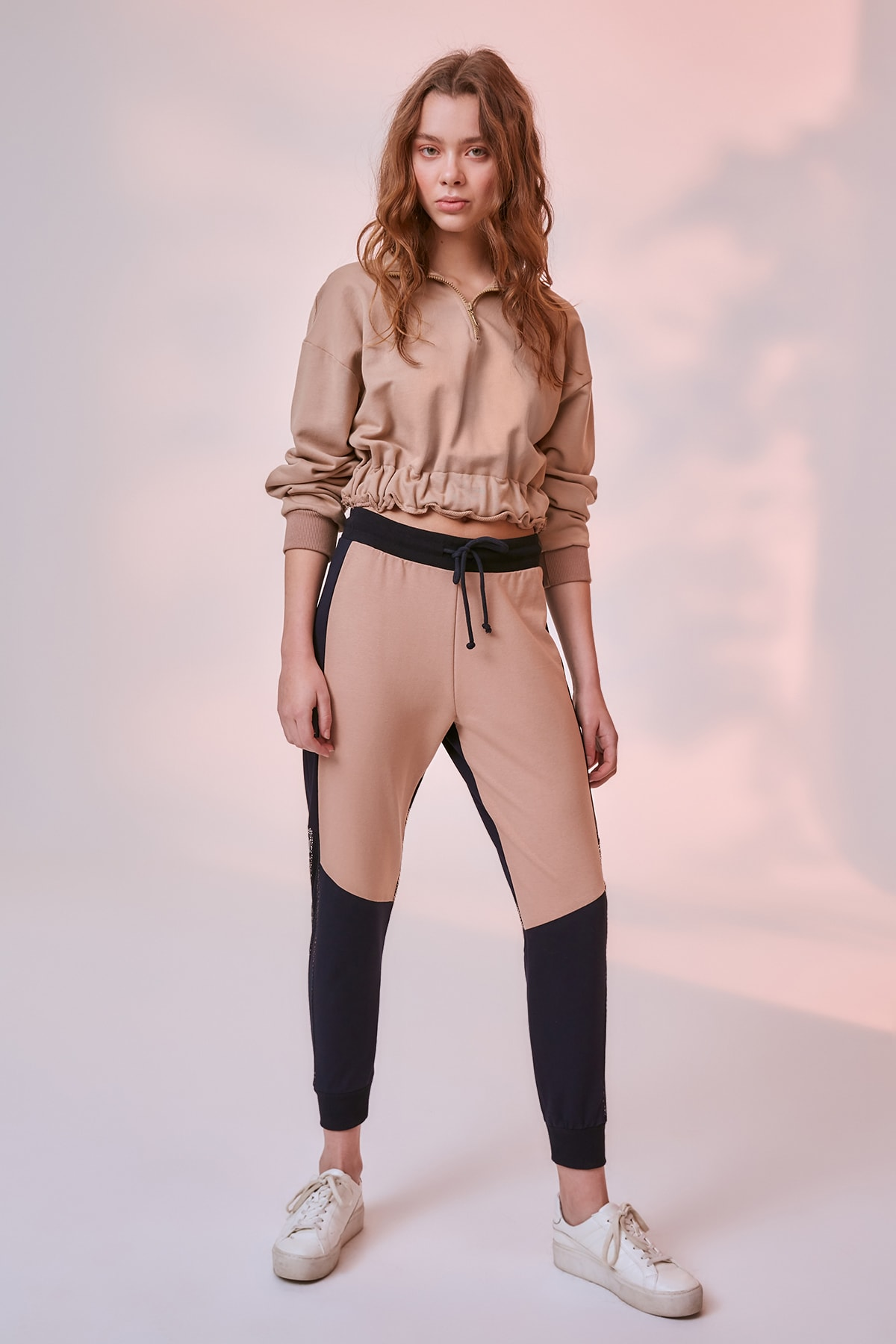 Trendyol With Color Block Knit Sweatpants TWOSS19GS0112