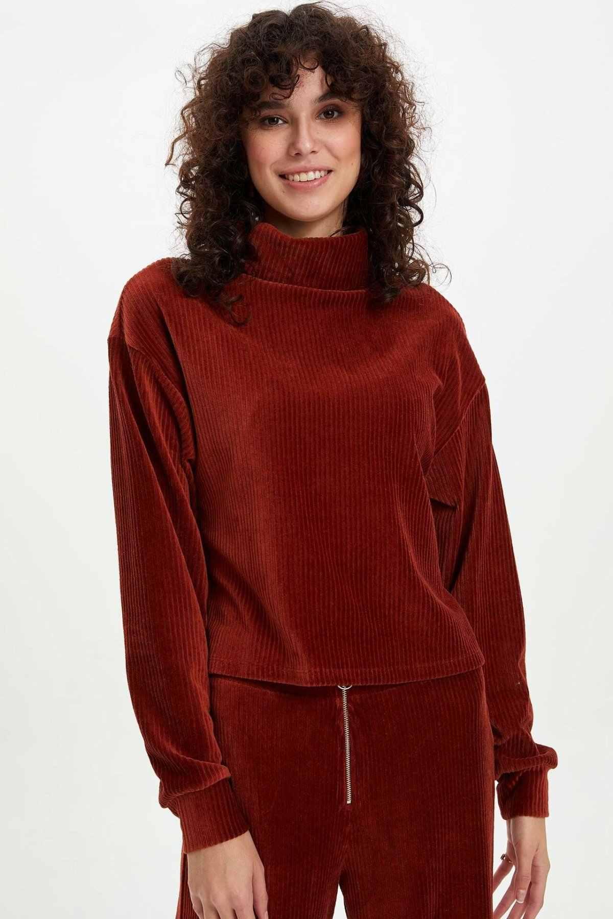 بحكم الأمر الواقع امرأة النبيذ الأحمر سروال قصير كم طويل تي شيرت المرأة الشتاء الياقة المدورة البلوفرات المرأة الدافئة Cloth-M2107AZ19WN