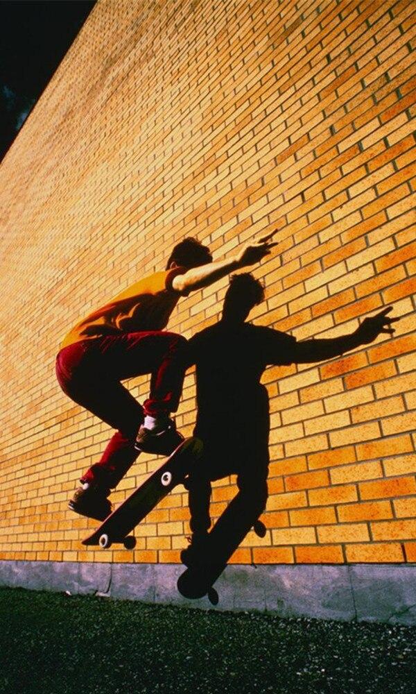 《滑板》封面图片