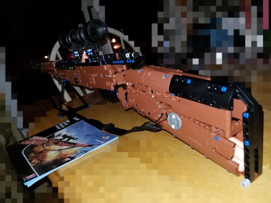 -- Militar Desert Submachine