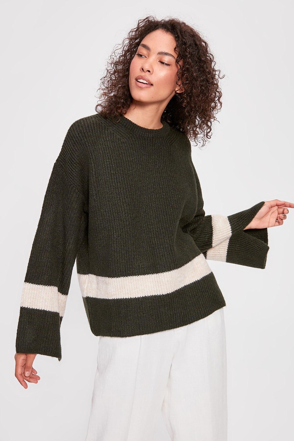 Trendyol Khaki With Color Block Sweater TWOAW20KZ0650