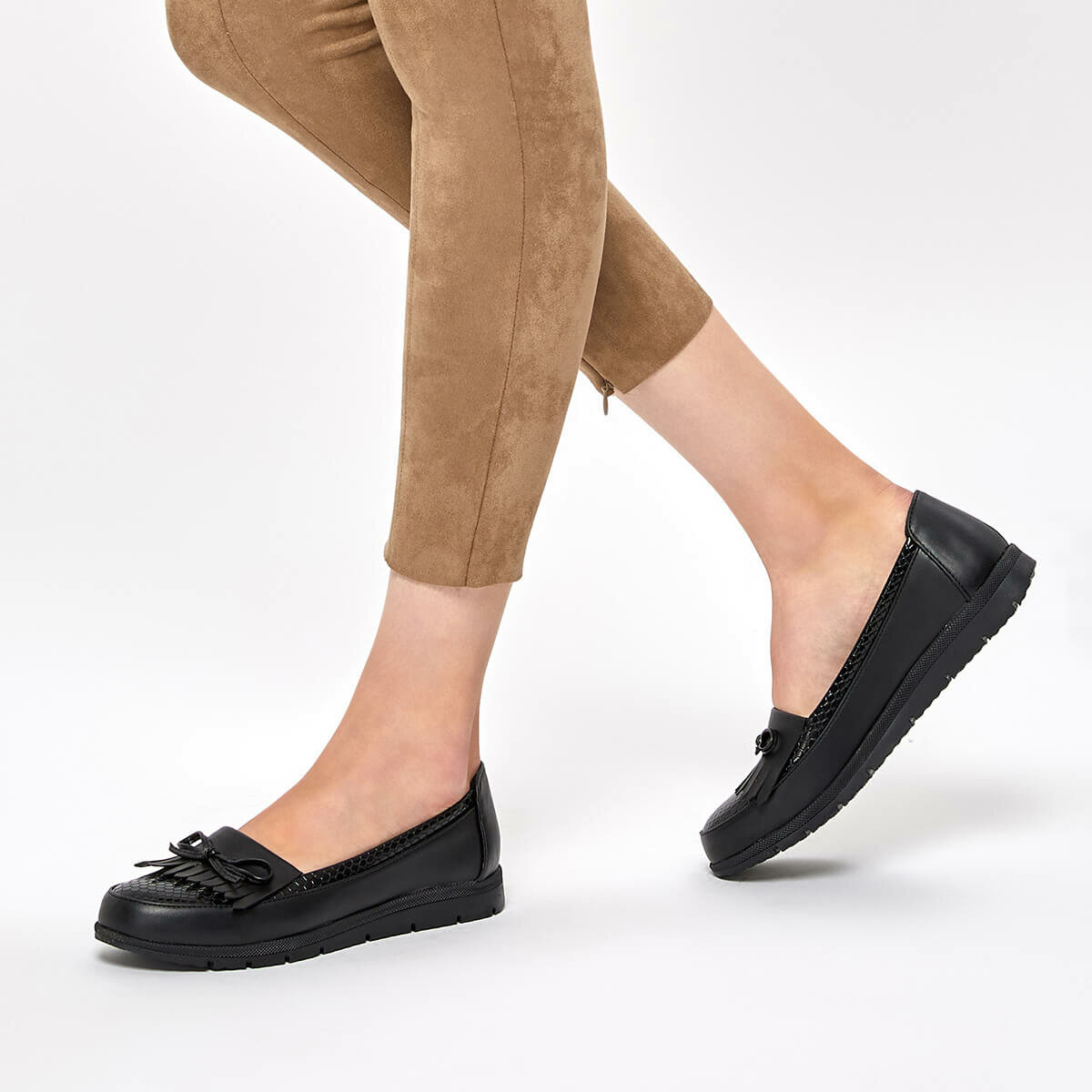 FLO 92.158010.Z Black Women Loafer Shoes Polaris