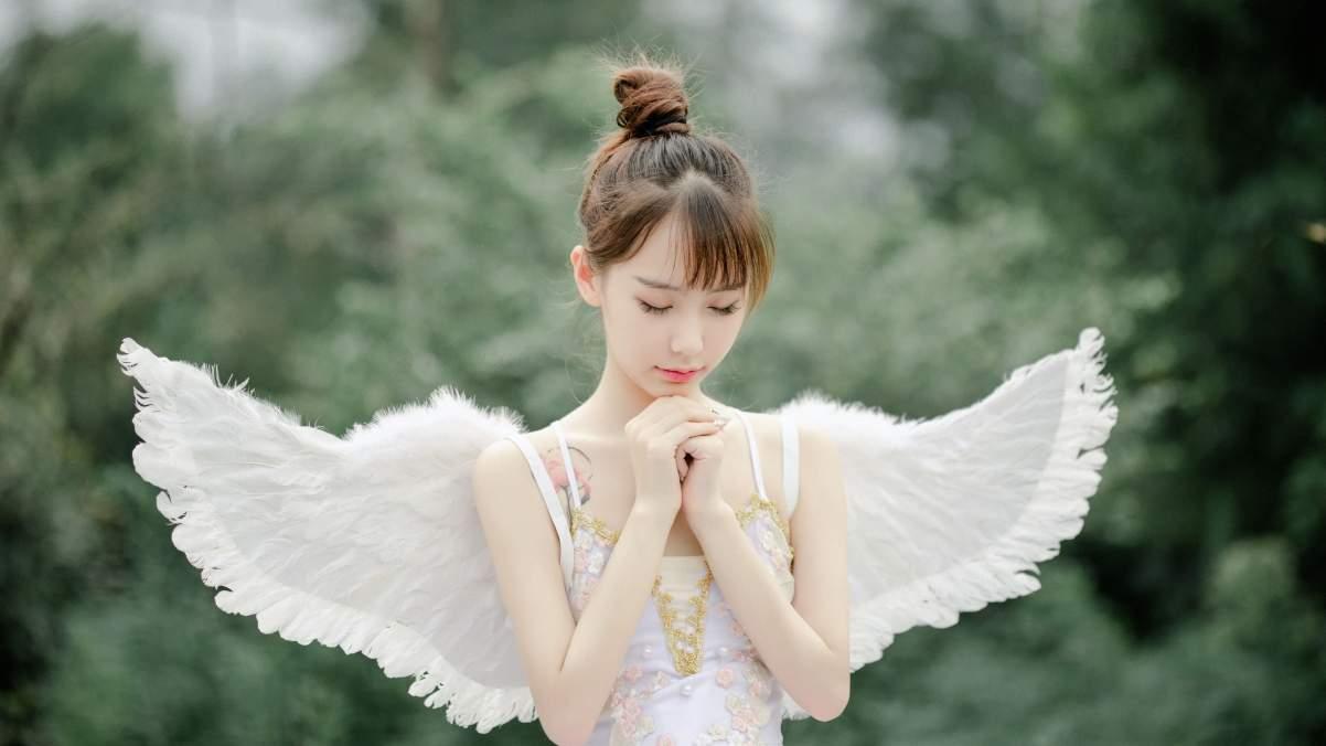 可爱天使美女许愿4k壁纸高清