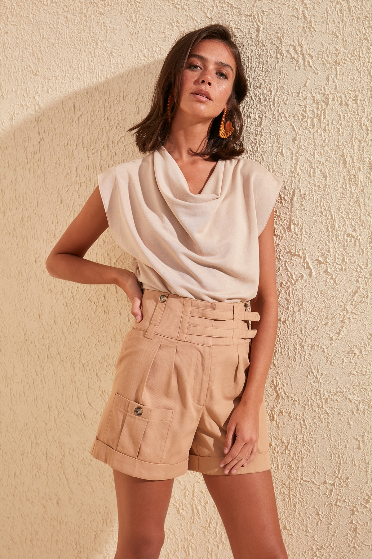 Trendyol Detail At Waist Shorts & Bermuda TWOSS20SR0014