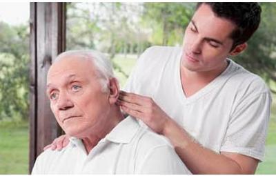 老年人进行穴位按摩养生 认穴按摩养生的方法-养生法典