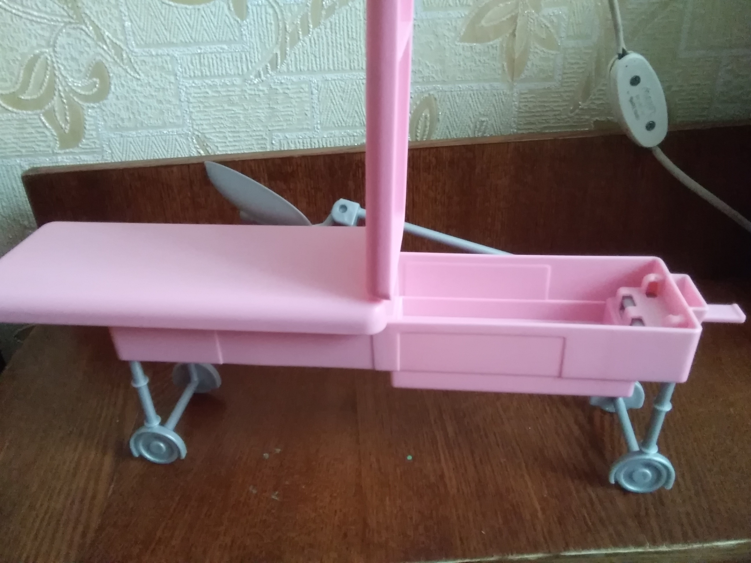 -- Boneca Brinquedo Clínica