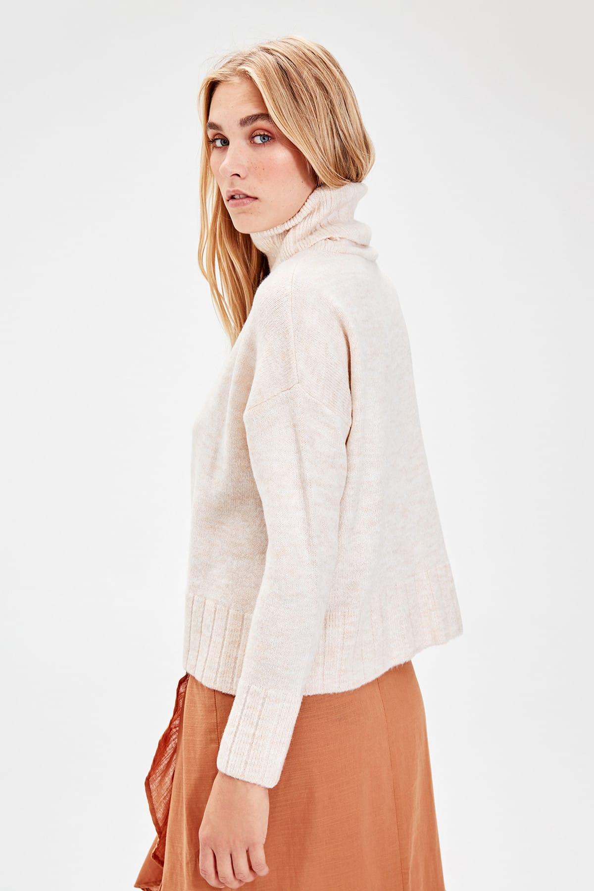 Trendyol WOMEN-Raw White Turtleneck Sweater Sweater TWOAW20FV0019