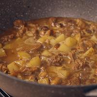 饿了吗?要不要来一份怎么做都好吃的鸡块土豆焖面的做法图解10