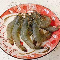 低卡健康的减肥餐 蒜蓉西兰花炒虾仁的做法图解1