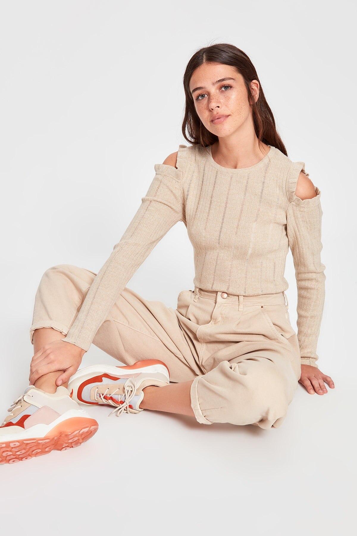 Trendyol Cut Out Detail Sweater Sweater TWOAW20KZ0433