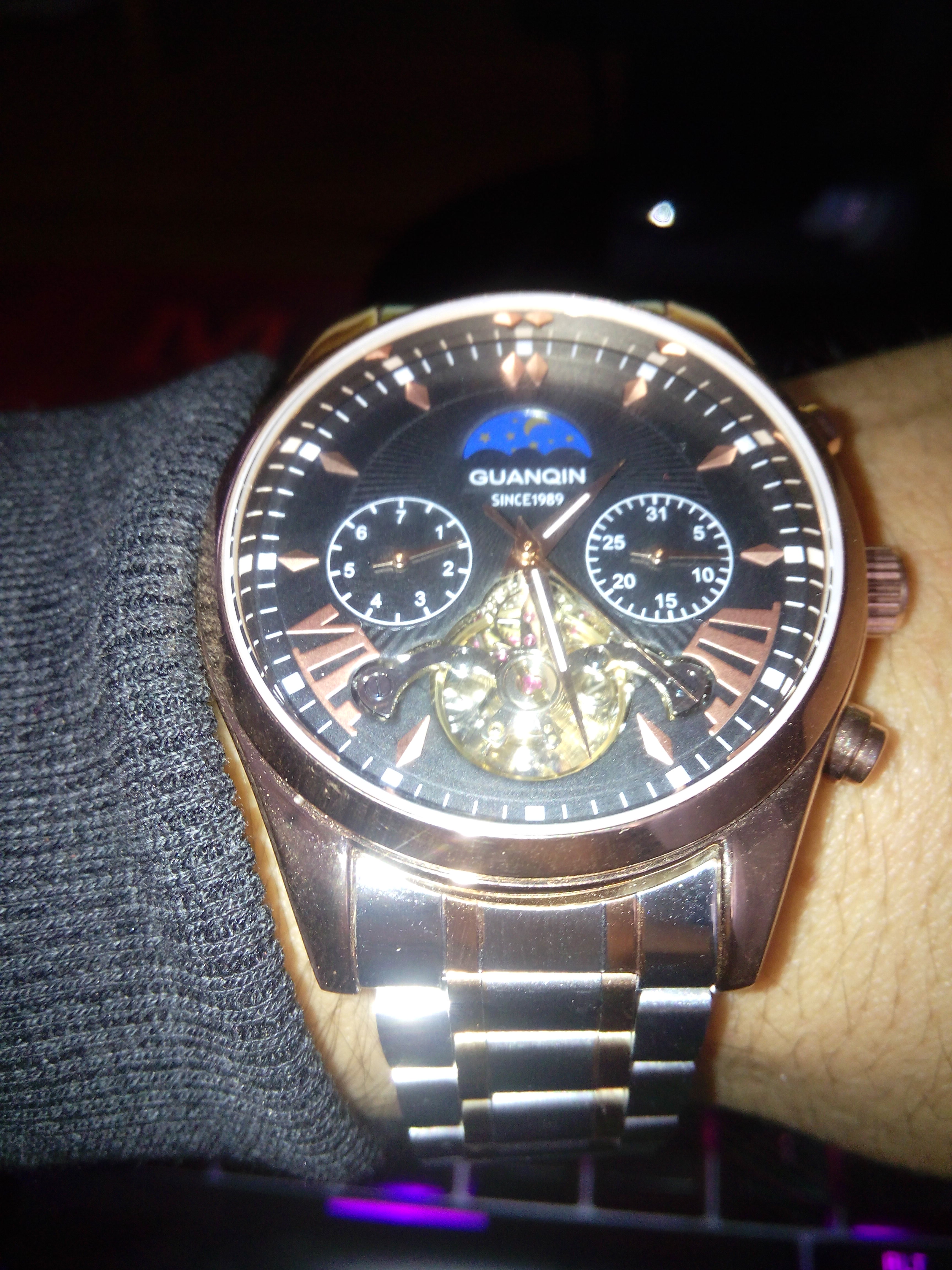 -- Guanqin Relógio Automática