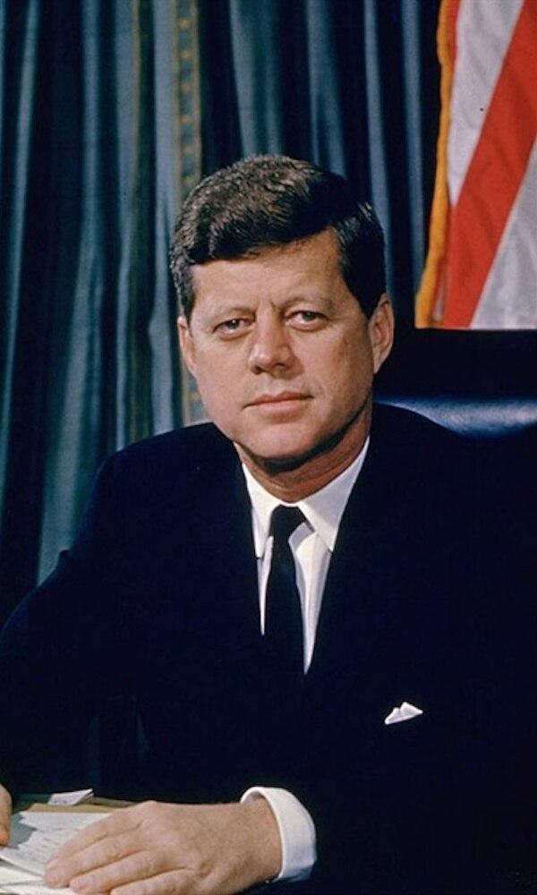 《肯尼迪》封面图片