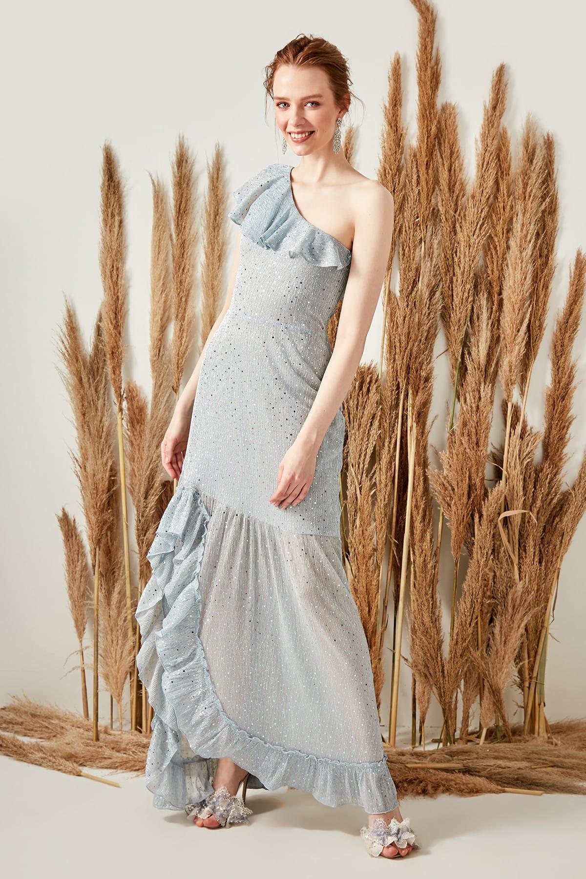 Trendyol Flywheel Detailed Evening Dress TPRSS19UT0060