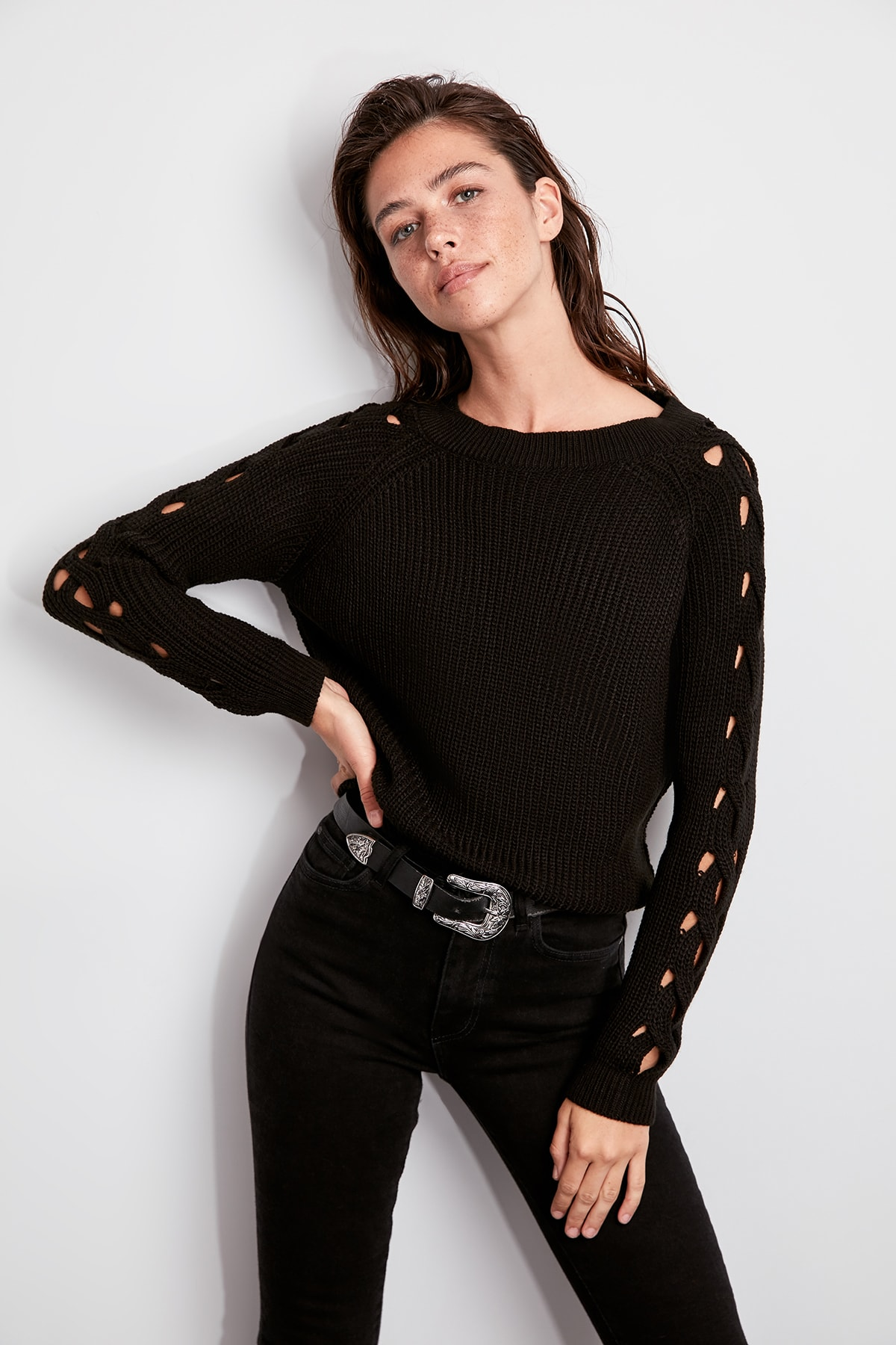 Trendyol WOMEN-Black Sleeve Detail Sweater Sweater TWOAW20FV0051