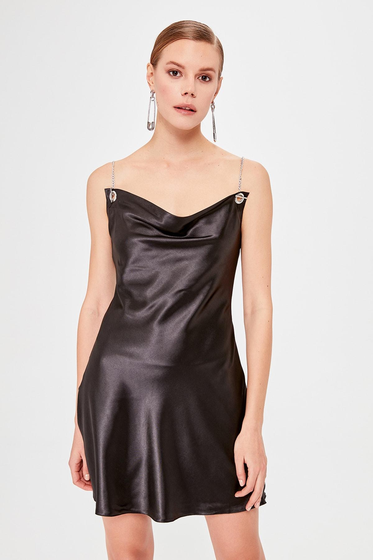 Trendyol Accessory Detailed Dress TPRAW20EL1994