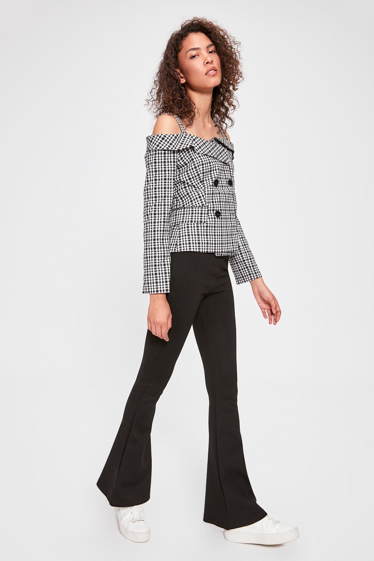 Trendyol Black Flare Bell-Bottomed Knitted Leggings Pants TWOAW20PL0386