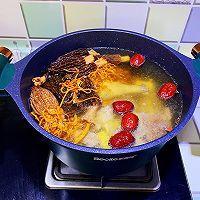 滋补羊肚菌鸡汤的做法图解6