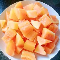 木瓜炖牛奶的做法图解1