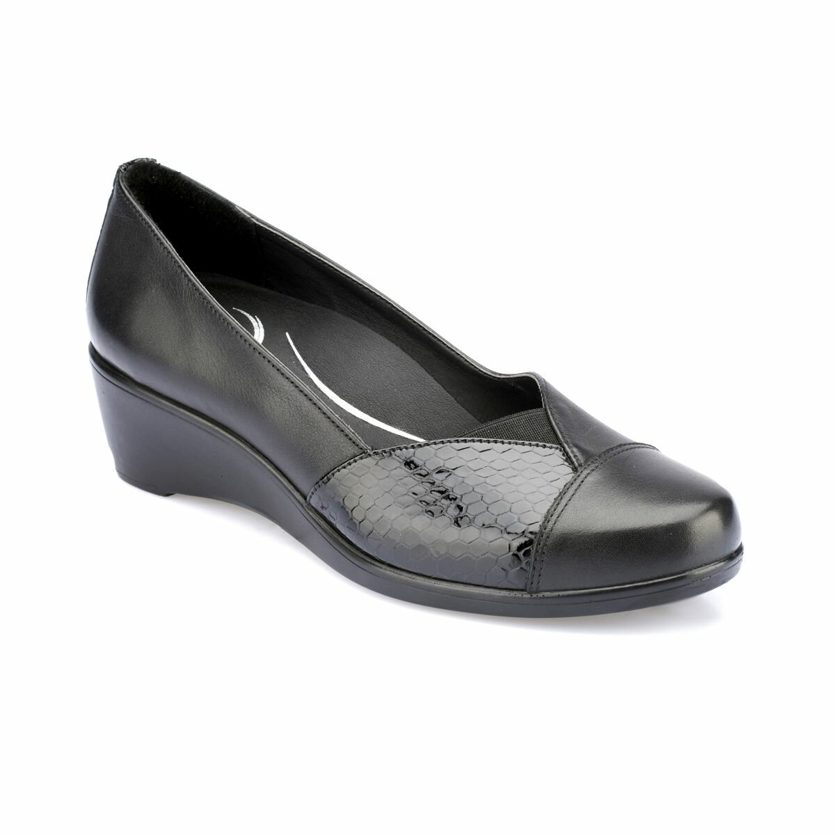 FLO 82.100142.Z Black Women Shoes Polaris 5 Point