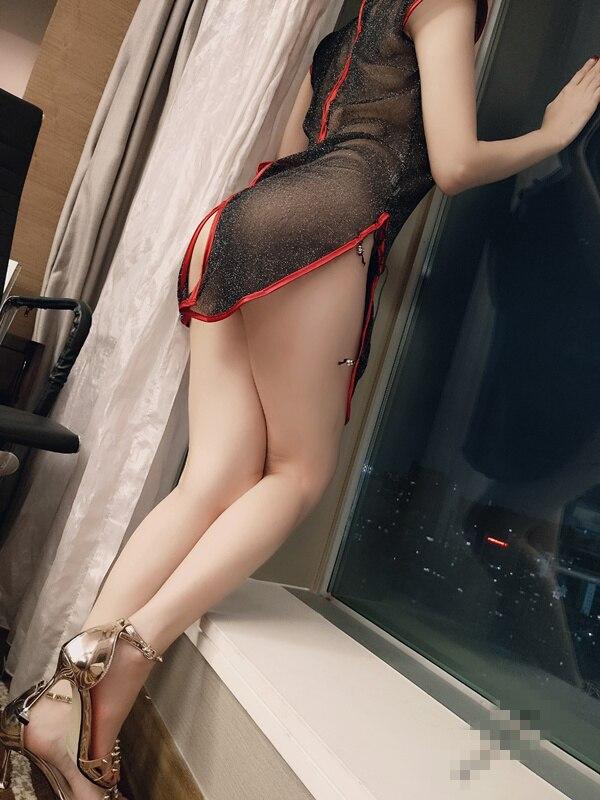 桃桃酱120元-酒店透明星星旗袍[1V/21P/173MB]