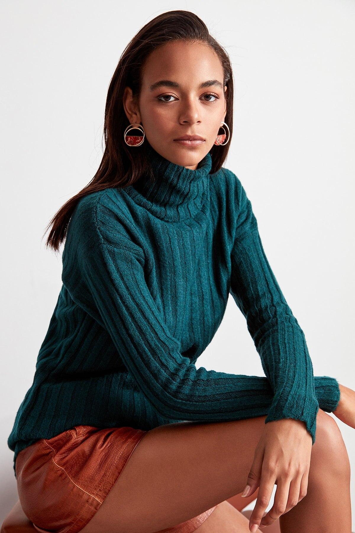 Trendyol WOMEN-Green Turtleneck Sweater Sweater TWOAW20FV0038