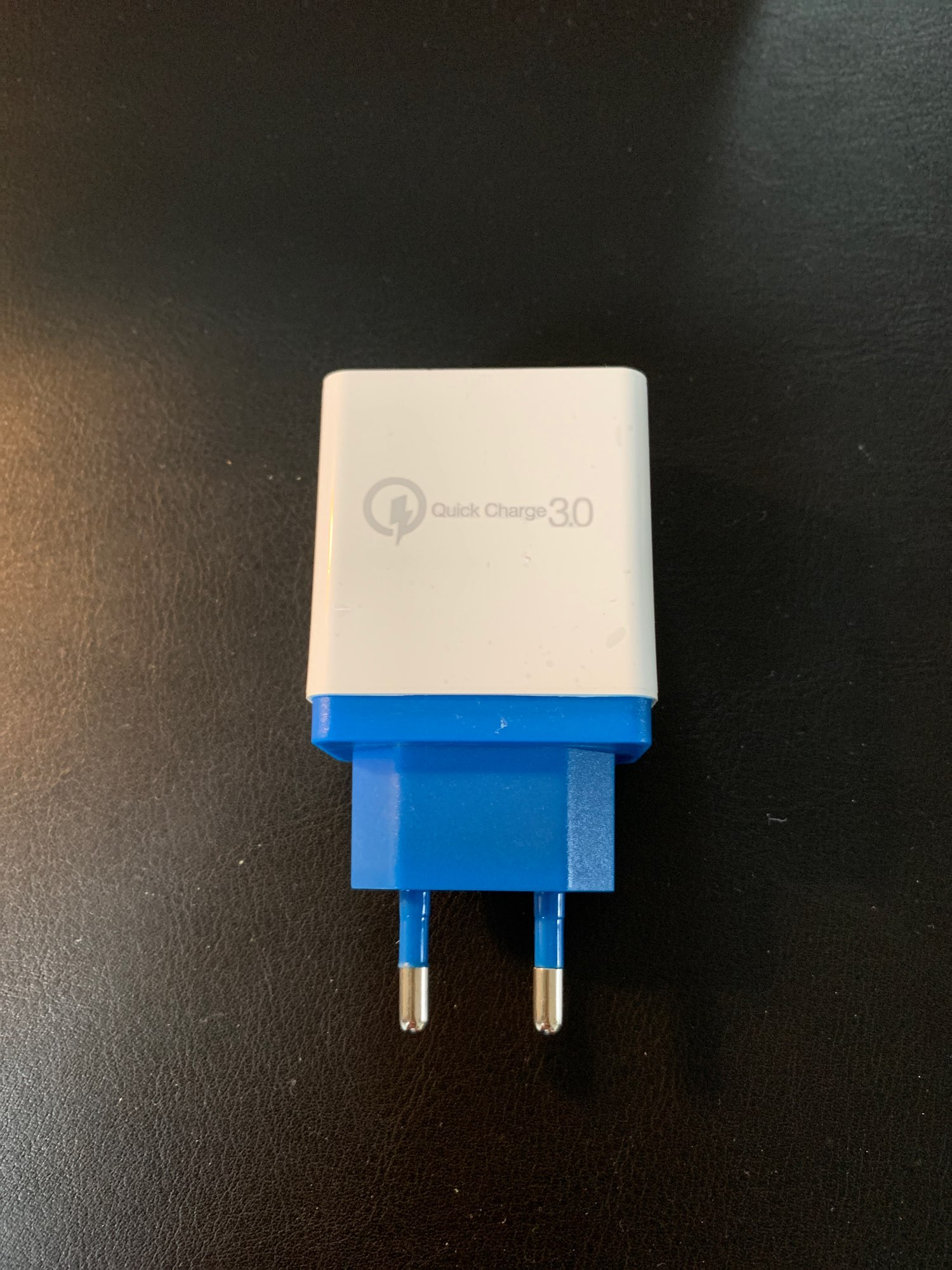 Quick Charge 4-USB Wall Charger photo review