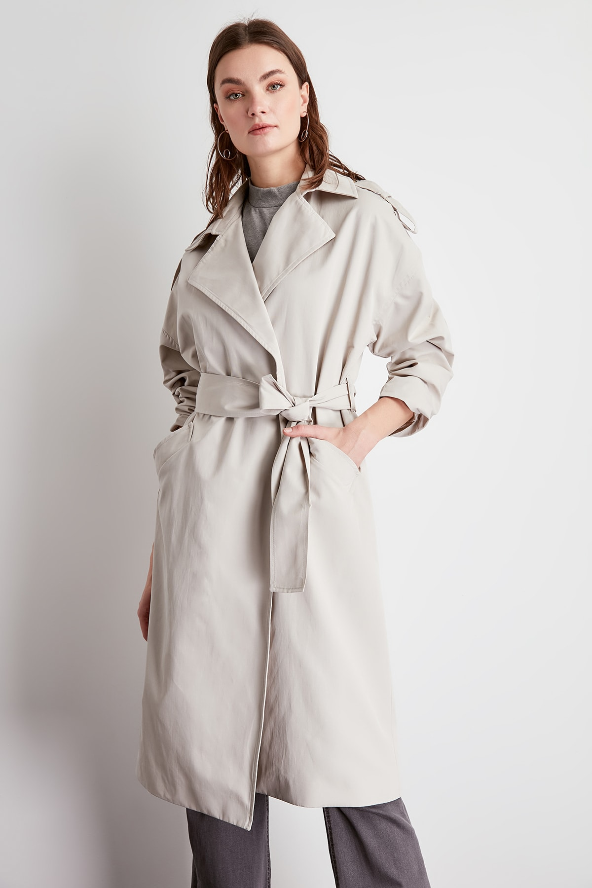 Trendyol Apolet Detailed Arched Long Trench Coat TWOSS20TR0007
