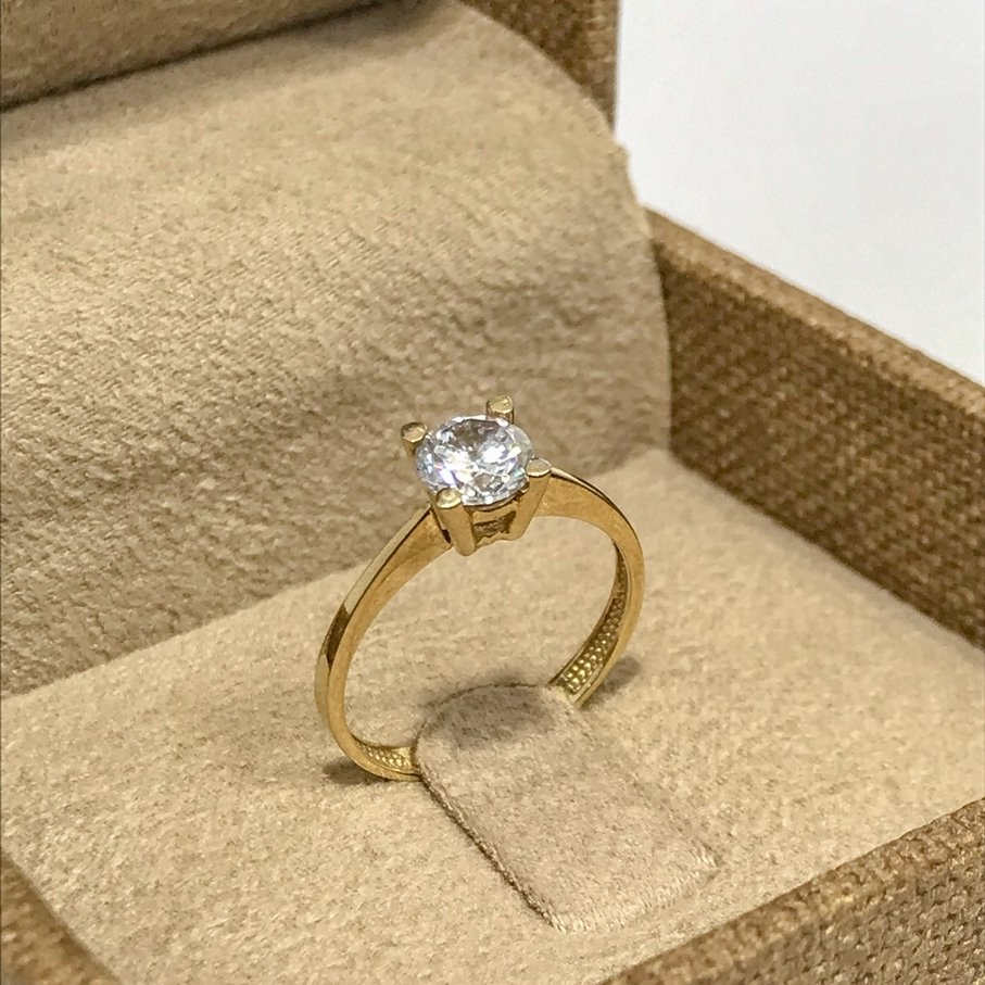 Classic 4 Nail 8 Sterling Gold Engagement Ring