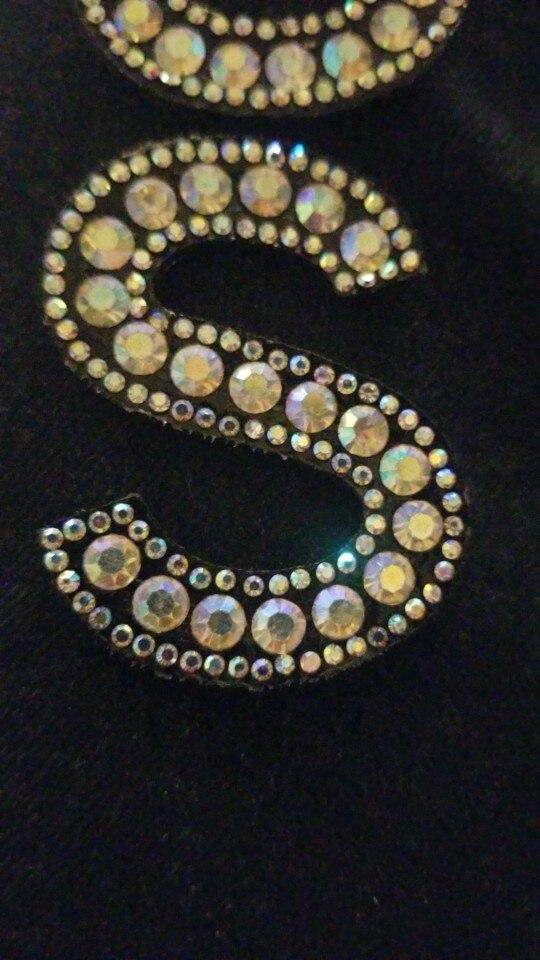 Beyonday A-Z Carta Artesanal NUEVO Alfabeto A-Z Letra de piedras coloridas bordado prendas de vestir apliques pegatinas de ropa parches de diamantes de imitaci/ón