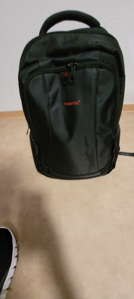 Anti-Theft Solid Unisex Travel Laptop Backpack with USB photo review
