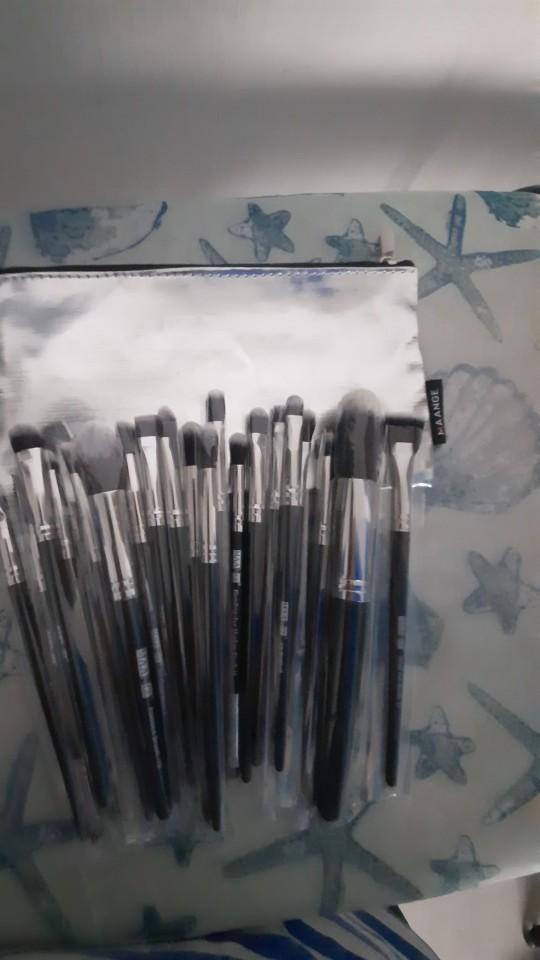 Kit de 20 pincéis de maquiagem profissional photo review