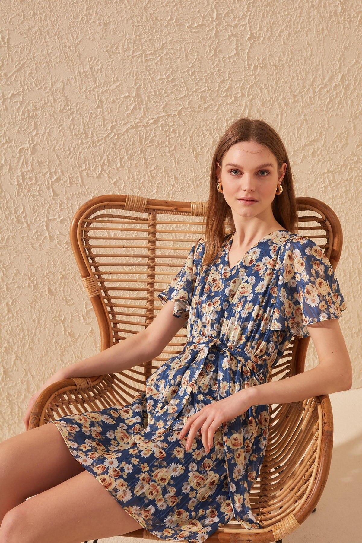 Trendyol Belted Dress TWOSS20EL0970