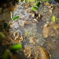 美食记之十四:咸肉河蚌煲的做法图解5