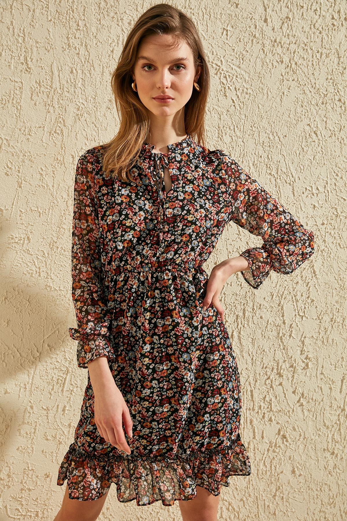 Trendyol Colar Gusset Dress TWOSS20EL1253