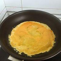 简单快手又下饭的包菜烩蛋皮的做法图解3