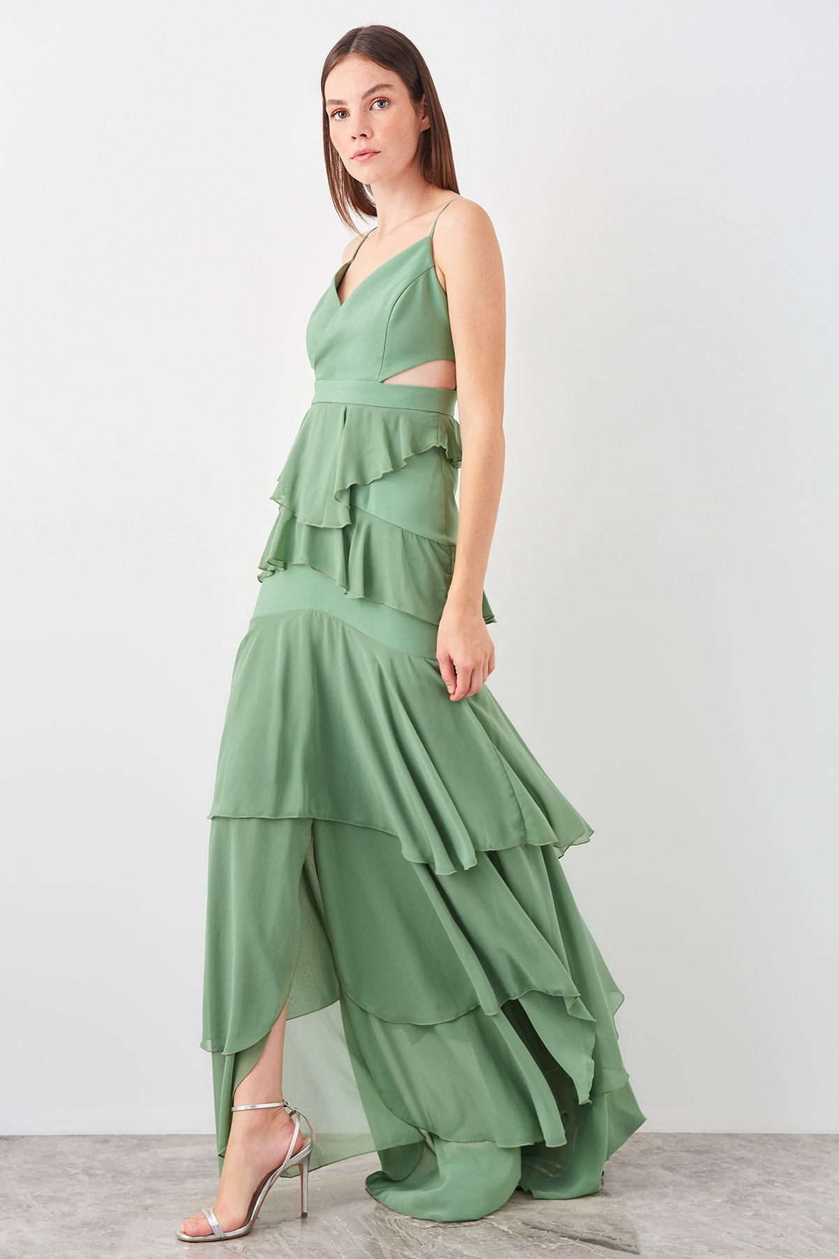 Trendyol Green Waist Low-Cut Evening Dress TPRSS19AE0066