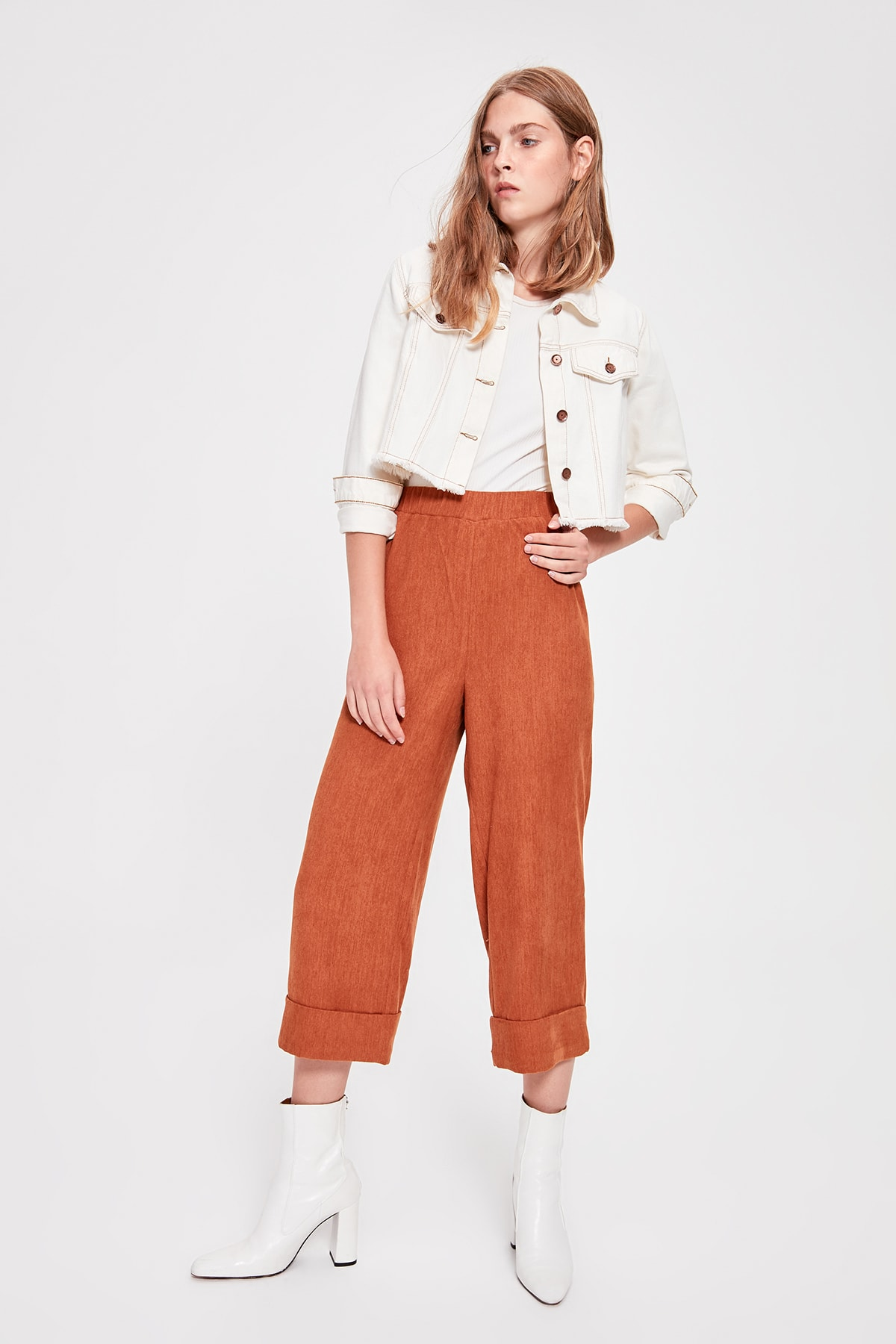Trendyol Camel Rubber Detailed Pants TWOAW20PL0053