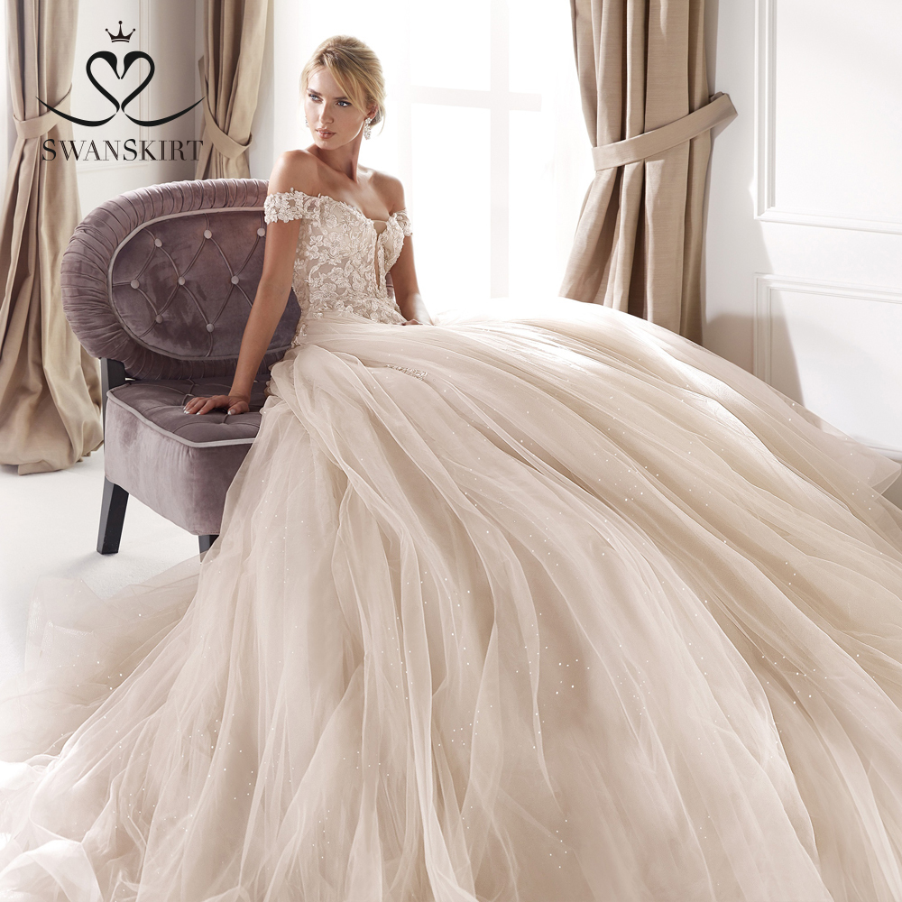 Romantic Off The Shoulder Wedding Dress 2019 Swanskirt Appliques Ball Gown Backless Bridal Gown Princess Vestido De Noiva NZ27