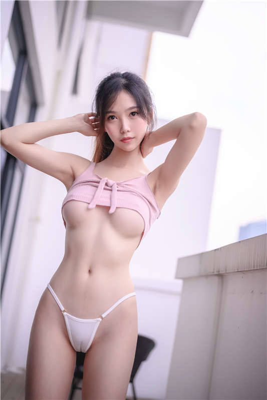 抖娘利世 – 激凸毛衣 [38P/607MB]