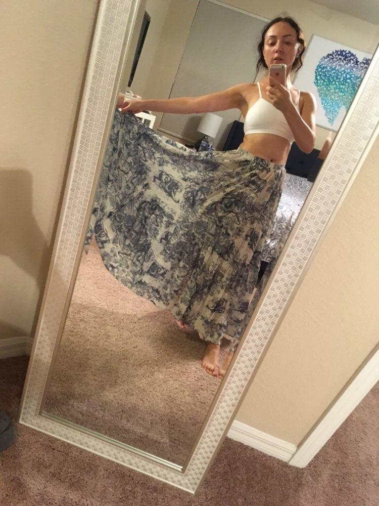 Runway Women Long Skirt Luxury Animal Printing High Waist Pleated Large Pendant Skirt European Designer Party Maxi Skirt photo review
