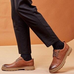 Image 5 - גמלים סתיו החורף חדש אמיתי עור לשפשף נעליים יומיומיות אופנה גברים של מגפיים קצרים ללבוש אופנה מזדמן גברים נעליים