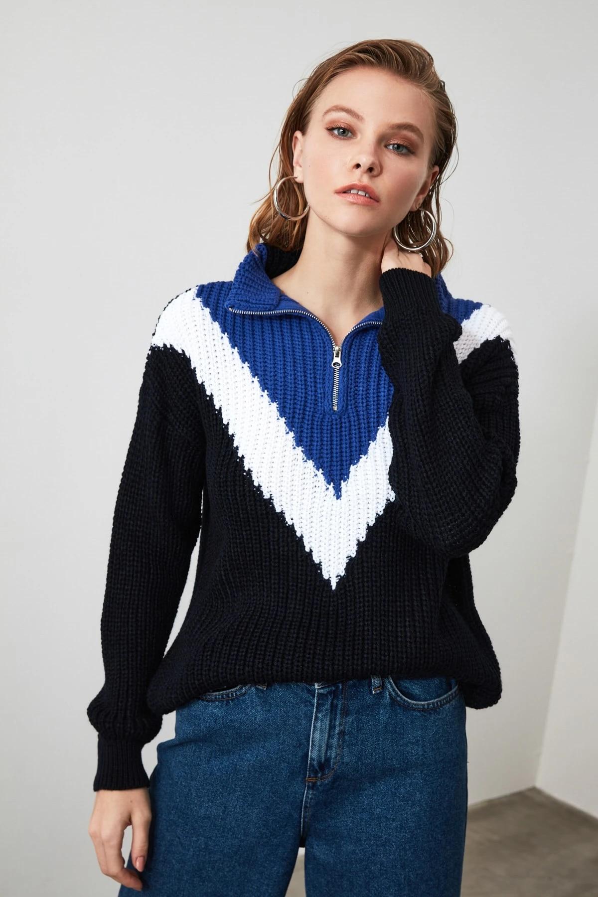 Трикотажный свитер на молнии с цветными блоками TWOAW21KZ0120