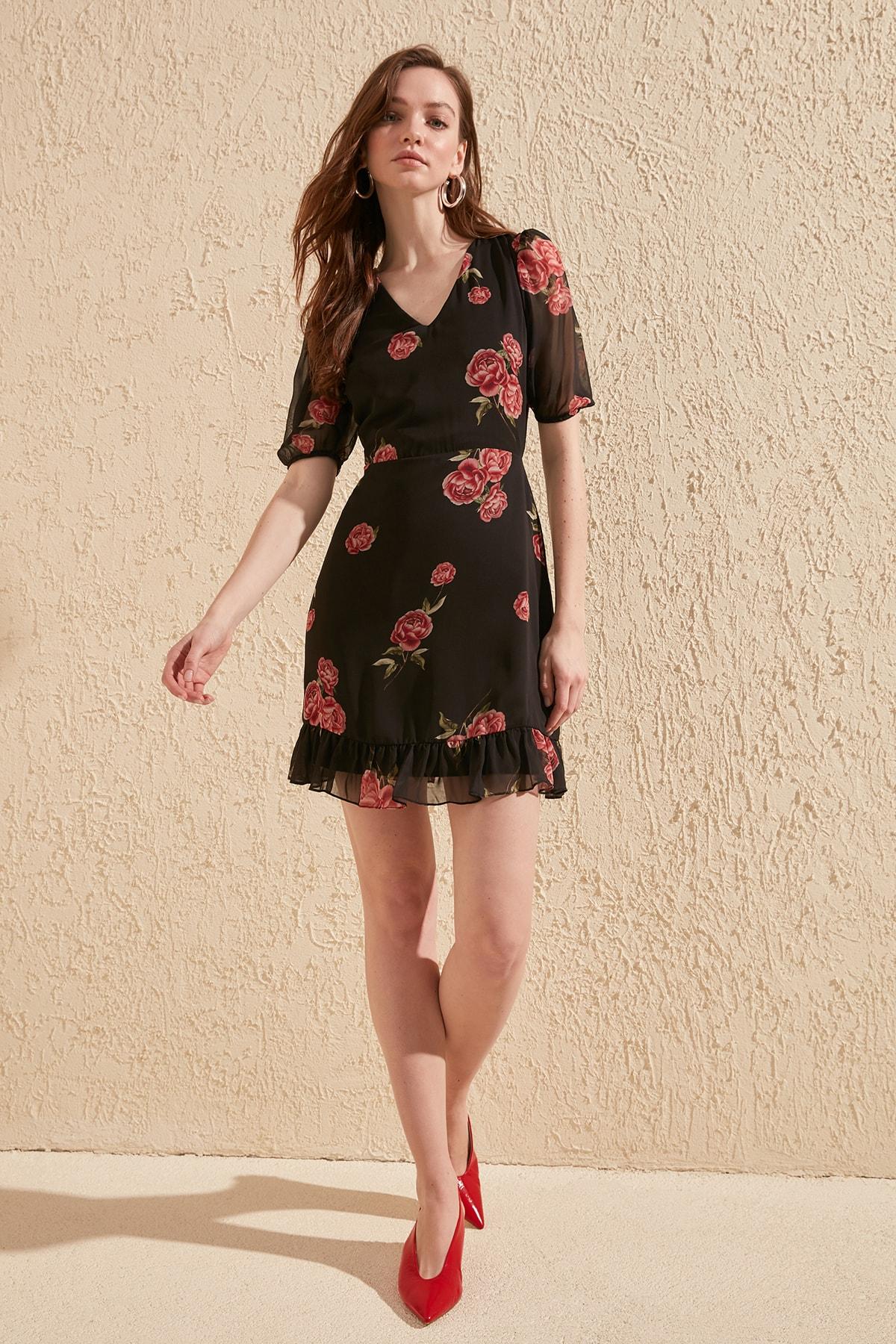 Trendyol Flower Decorated Dress TWOSS20EL0897
