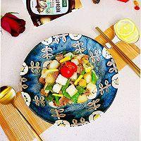 #百变鲜锋料理#蚝油牛粒沙拉的做法图解1