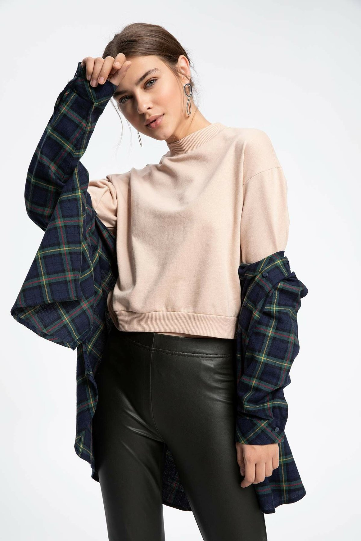 DeFacto Woman Simple Crew Solid Pullovers Casual Long Sleeves Pullovers Autumn Loose Women Autumn New --K5334AZ18CW