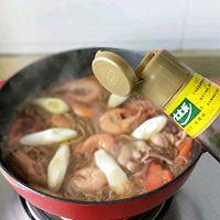 #太太乐鲜鸡汁芝麻香油#大虾培根粉丝煲的做法图解13